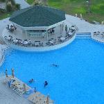 vacanza rilassante: piscina e bar