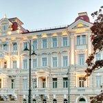 Kempinski Hotel Cathedral Square Facade