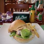Skybox Sports Bar and Grille Foto
