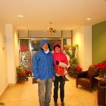 Hall con decorazioni natalizie