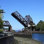 il ponte della ferrovia poco distante