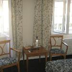 Tenda e piccolo tavolino