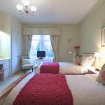 Room 2 First Floor Twin-bedded Room en suite with Shower