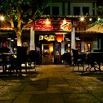 The restaurant at night