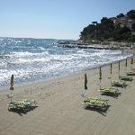 spiaggia a 20 mt. dall'hotel