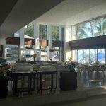 lobby restaurant for buffet breakfast