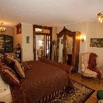 Rest peacefully in this William Shakespeare Suite with a king size bed, gas fireplace, Air bubbl