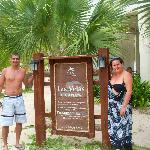 Este restaurante é de frente pro mar e alimentação variada,muito boa e tem frutos do mar.