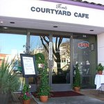 Toni's Courtyard Cafe