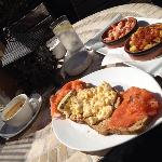 scrambled eggs, smoked salmon and some nice tapas in the sun