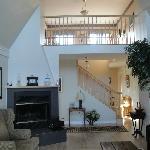Guest Livingroom/Common Sitting area