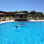 kids in the pool at Colina da lapa