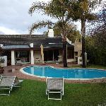 La piscina e la struttura principale