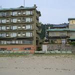 夕日ヶ浦海岸からの「花扇」全景