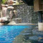 Swim up Bar & cascading drop pool