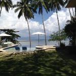 The infinity pool overlooking the ocean
