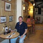 Renos Cafe
