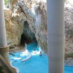 Im Höhlenbad