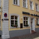 Cozy and quiet, we loved our stay at the Hotel am Rathaus. Very affordable and centrally located