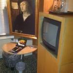 """Fernseher und """"Gemälde"""""""