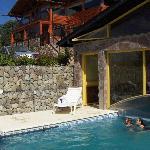 Solarium y piscina