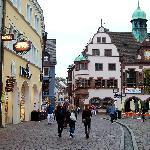 Puerta principal y viejo ayuntamiento (rathaus)