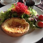 Perfect quiche with salad