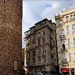 Galata Tower on the left and Anemon Hotel on the right