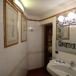 Large clean bathroom with bidet and daily towel changes.