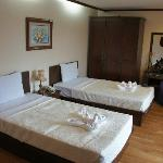 VM deluxe room with 2 twin beds