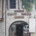 Arch to enter the hotel and restaurant
