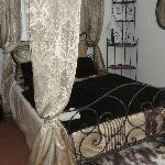 la jolie chambre 18, avec un grand lit de 160 cm