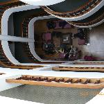 Vista del el tercer piso a la recepción