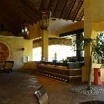 Oasis-Lobby Bar