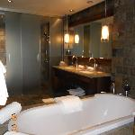 Blue Mtn Suite Bathroom