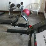 gym: old equipment and out of order