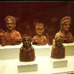 busti del periodo fenicio