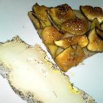 pizza con fichi e formaggio