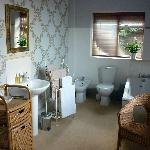 Large En-Suite Bathroom