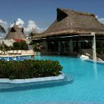 piscina e bar della piscina