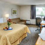 Comfort care room with 32in LCD TV