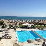 Pool + Strand