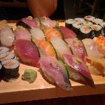 Le serveur vous propose un mix en fonction de ce que vous préférez, pour nous pas de sashimis, m