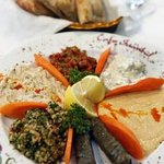 Appetizer Sampler Plate for 3-4 people with Pita Bread