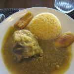 Pollo seco con verde salsa