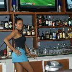 Ynes-bartender at Kahuna