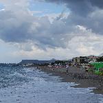 plaża i brezg morza przy hotelu