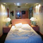 Pretty Bedroom (living area and bathroom r prettier)