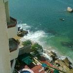 Vista de mi habitacion al mar y edificio adjunto Nikon