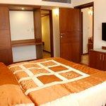 Bed room side veiw